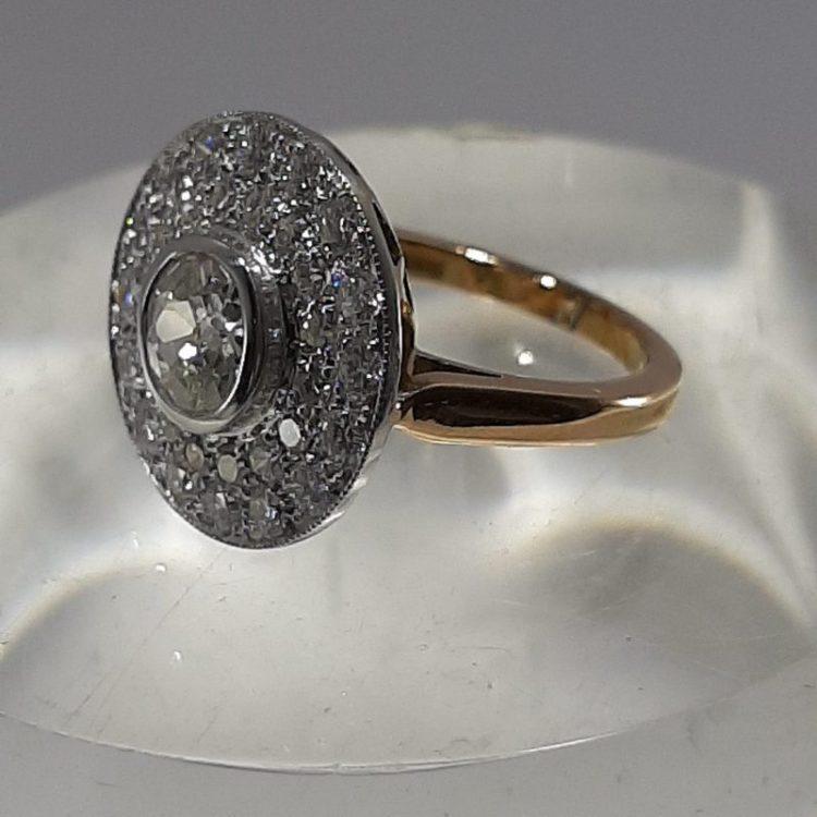Bague ancienne Diamants tout en rondeur sur or 18k